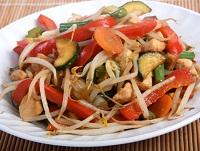 מתכון לחזה עוף מוקפץ עם ירקות